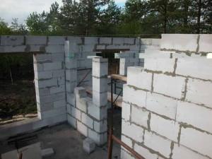Строительство стен из пеноблоков